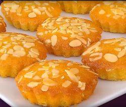 Kleine vanille Basbousat's lekker zacht en snel te maken